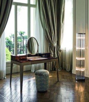 Evlerin olmazsa olmazları ve eve stil kazandıran mobilyalar, giderek yaşanılabilir hayatı mümkün kılma noktasında , daha da gelişiyor ve yuvalara sıcak, samimi bir hava estiriyor. Klasik mobilya tarzlarının giderek gölgede kalmaya başladığı günümüzde