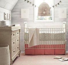 Babykamer baby uitzet lijst. Wat heb je allemaal nodig? als je zwanger bent ga je inspiratie op doen en vind je zo'n lijst. Ik deed wat babykamer inspiratie op voor onze dochter