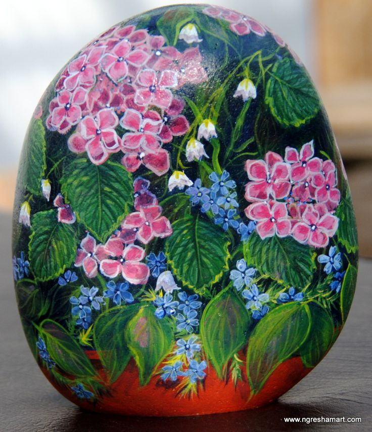 Pretty Hand Painted Rock, Rock Art, Patio Flowers That Donu0027t Need Watered