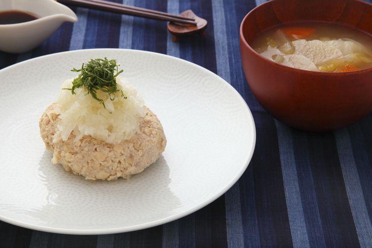 大豆のヘルシーハンバーグと残り野菜のお味噌汁
