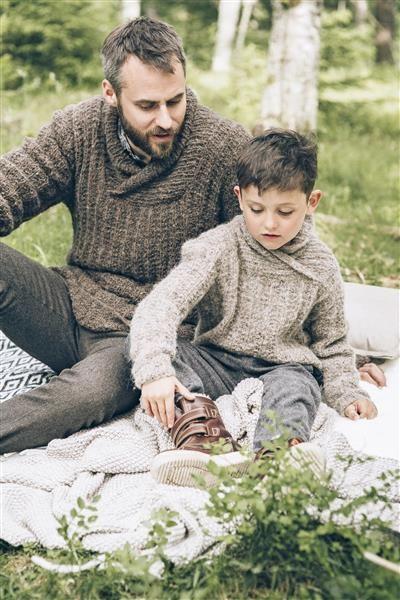 1414: Modell 9 og 10 Herregenser og guttegenser #Tweed #strikk #knit