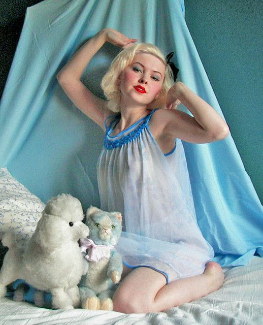 Bedtime pinup by Johanni, via Flickr   40's and 50's style ...