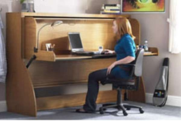 100 Eccentric Desk Designs - From Plasmic Work Surfaces to Reclaimed Courtside Desks (TOPLIST)