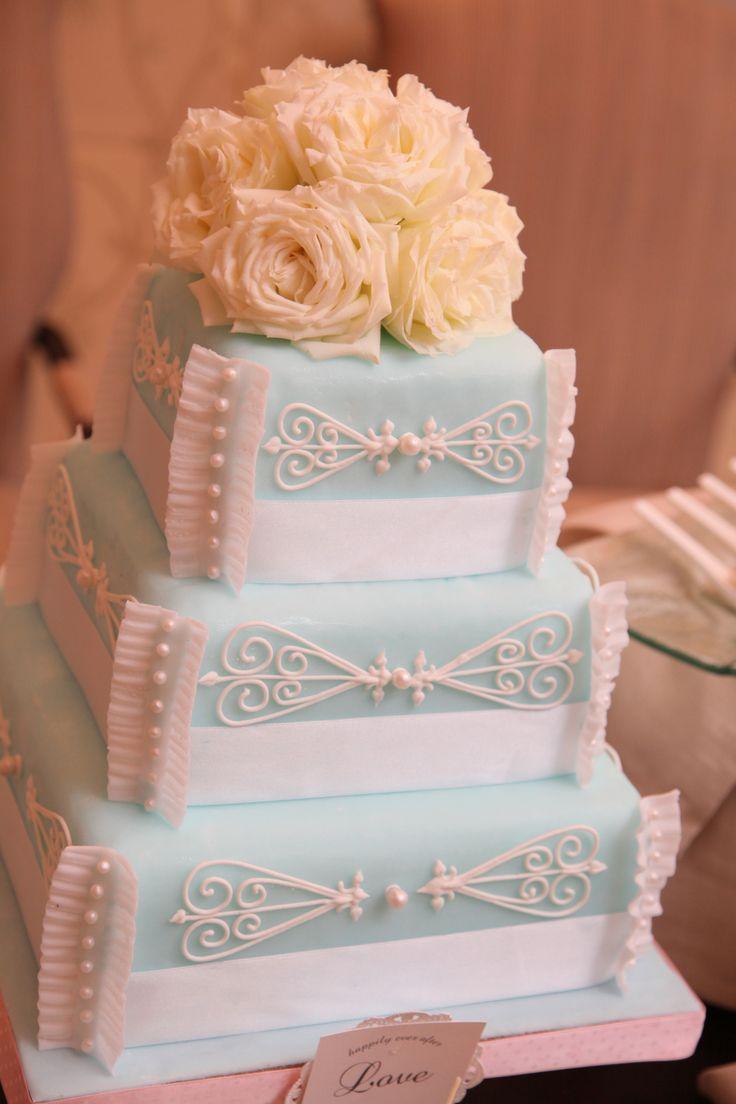 wedding Item cake#WEDDING #TRUNK #OneHeart #Cake#cute