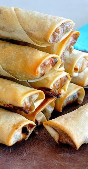 MEXICAN SPRING ROLLS (EGG ROLLS) - http://www.recipetineats.com/baked-mexican-spring-rolls-egg-rolls/