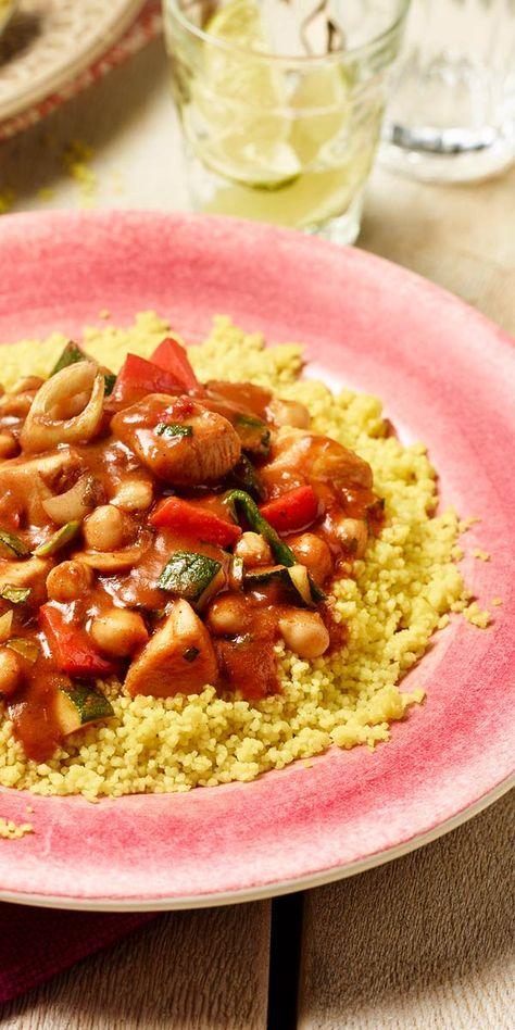 Kulinarische Grüße aus Afrika! Köstliches Hähnchenragout mit Kichererbsen, Zucchini und einer frischen Minznote, einfach lecker!