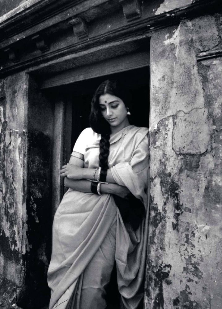 Vintage saree look with Tabu ...