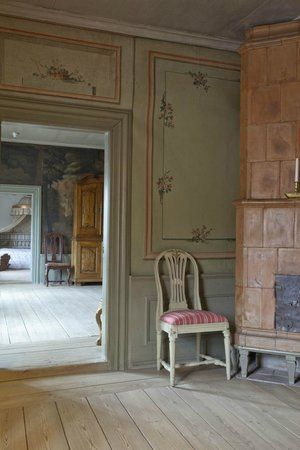 Qwensel House Rococo and Gustavian style interiors. Röda Kammaren