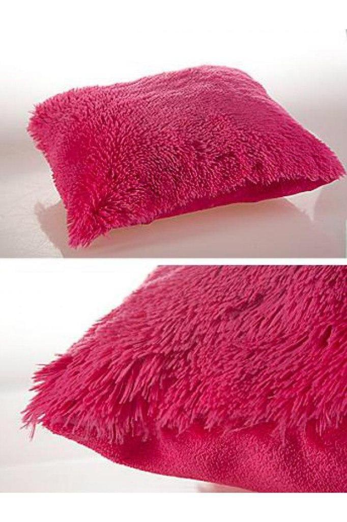 """Подушка 45x45 """"Унисон"""" Trendy. Отличный вариант, чтобы внести новые, яркие краски в Ваш интерьер. Прекрасно впишуться на диван или кровать. Наполнители: полиэстер. Размеры: 45x45"""