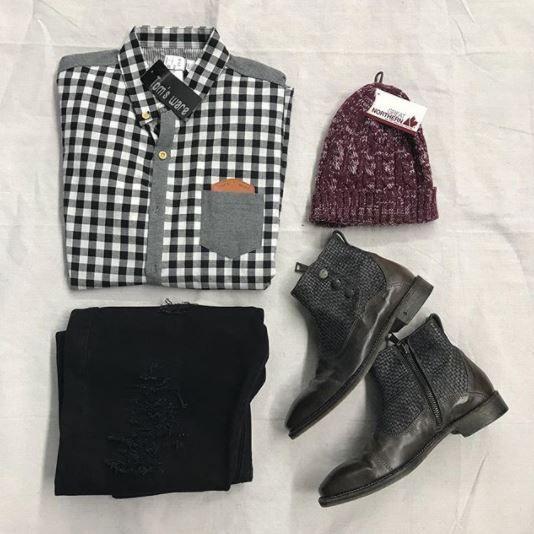 A winter men's #ootd Tomsware long sleeve (nwt) - l - $14 Levi pants - 34 - $16 John Varvatos - 9 - $50 #platosclosetoakville #platoscloset #johnvarvatos #menswear #deals #savings #neverpayretail | www.platosclosetoakville.com