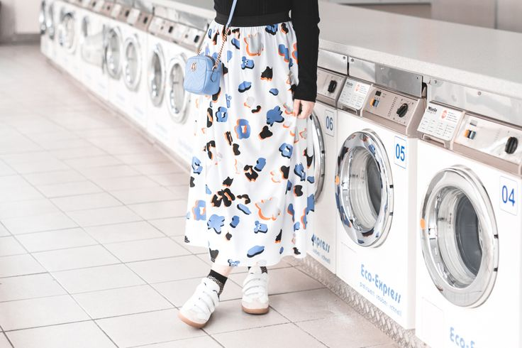 ariel giles deacon blogger laundromat photoshoot copyright Pauline Privez paulinefashionblog com 3 1100x733 CLEAN LIKE NEW