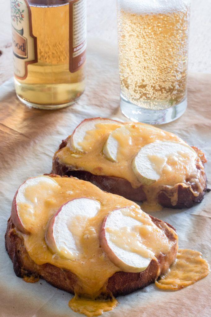 welsh rarebit čedar sýr toust toast zapečený jablko cider britský velšský chléb
