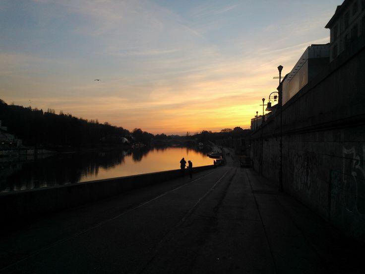 il tramonto sul fiume