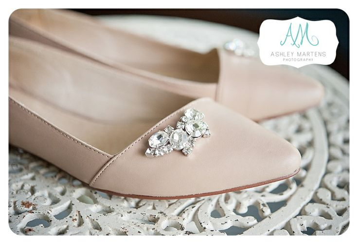 Her something old, broach attached to her shoes | ashleymartensphotography.com