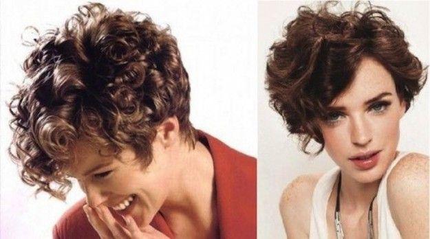 Taglio capelli corto e riccio con riga laterale
