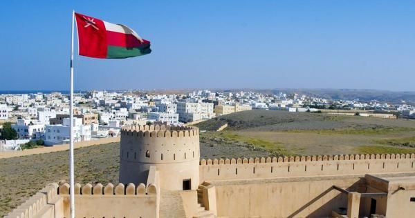 سلطنة عمان تصدر قرار ا مهم ا بشأن الأجانب في البلاد Oman Travel Travel Dolores Park