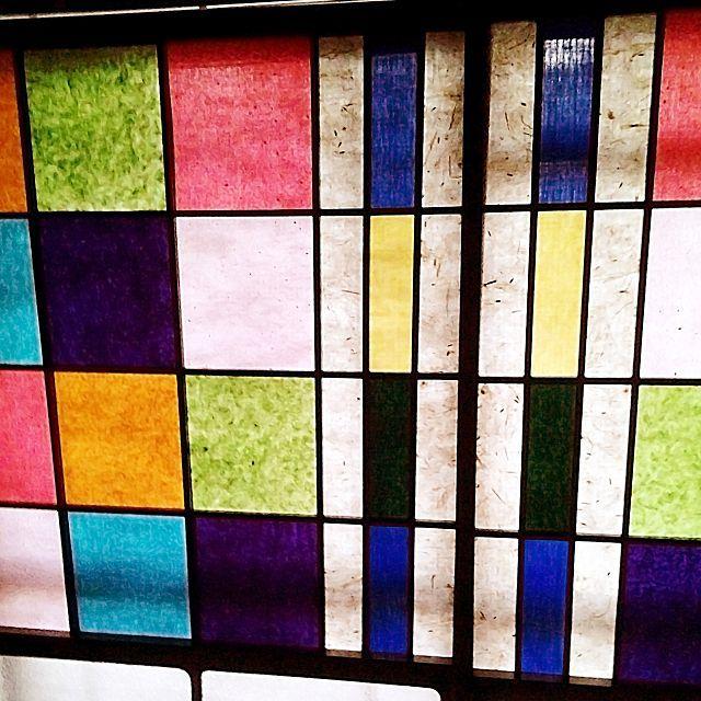 女性で、1LDKの畳/ベッド周り/さくらん/大正ロマン/ステンドグラス風/カラフル障子…などについてのインテリア実例を紹介。「昼間のカラフル障子☆ 光が透けてステンドグラスみたいにキレイです(* ´Д`*)」(この写真は 2015-06-21 22:54:26 に共有されました)