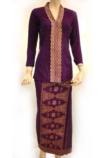 Vintage Traditional Malay Wedding Songket Costume Vintage Traditional Purple & Gold Malay Bridal Songket Costume [songket] - http://www.vampalicious.co.uk