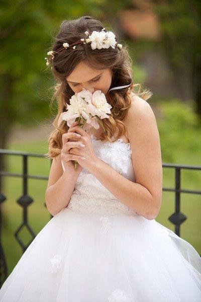 Ivory Haarkranz,  Elfenkrone, Blumenkranz von WeddingBliss by Maija auf DaWanda….