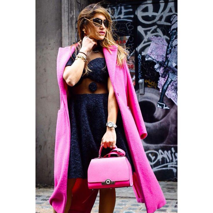 #sexy #prettyinpink @britishfashioncouncil #londonfashionweek #lfw #aw16 #brewerstreetcarpark #brewerstreet #like the #bag  #instastyle #instafashion #streetwear #streetstyle #fashionista #instablogger #captured #by #fashion #photographer @volkervornehm #followme @vornehmphotography.tumblr.com & @volkervornehm.com