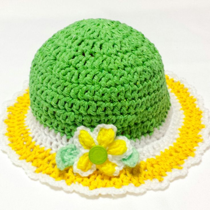 New item coming to my shop. Another spring bonnet baby hat created. Available for babies, in sizes from newborn to one year old. Perfect colors and design for spring season or for spring holidays photo shooting.