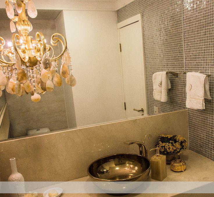 Encantada com esses detalhes dourados... 😍😍      #iluminação #pendente #dourado #lavabo #interiordesign #arquiteturadeinterior #lovedesign #arquiteturaempalmas #palmastocantins #arquiteturaempalmas #arquiteta #kanthusarquitetura