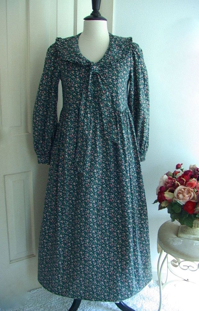 Laura Ashley cotton Prairie dress in green with pink roses. 6-8-34 A+ #LAURAASHLEY #EnterYourOwnAFTERNOONTEADRESS #Casual