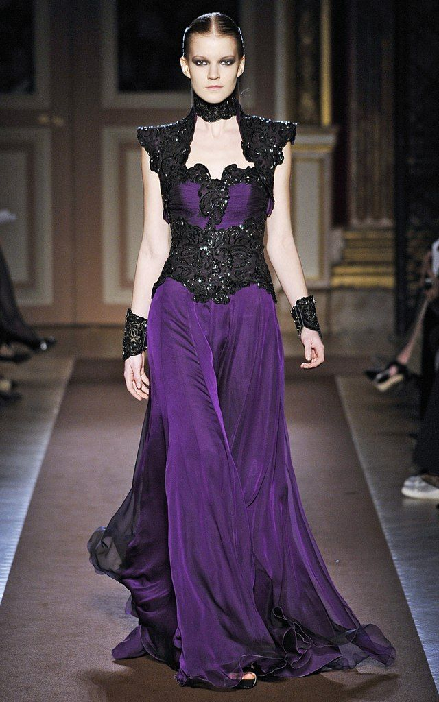 Gothic Charm School: pretty things • Well, aren't these lovely and sumptuous? Andrew...