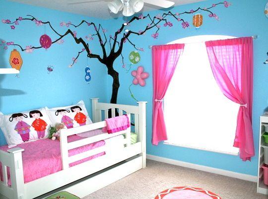 Colore e fantasia per la stanza dei bimbi. Color and fantasy for the kid's room