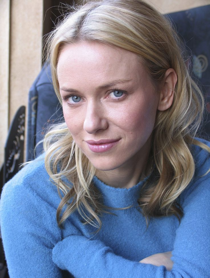 Naomi Watts (Light Summer) in cool blue
