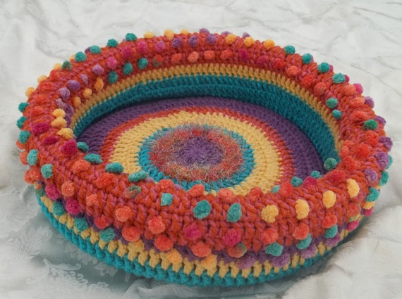 Crocheted cat bed for stylish pets