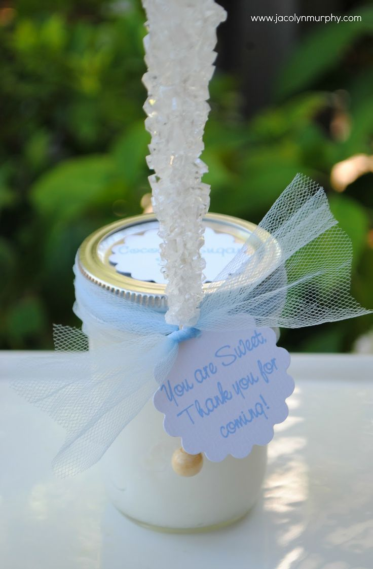 to fill an 8 once Mason Jar,  mix one cup of sugar with  1/2 cup of melted coconut oil and 1/2 cup light olive oil or canola oil  Mix until completely combined and fill the jar    The smell and feel of the scrub is out of this world,  try it, you will love it!