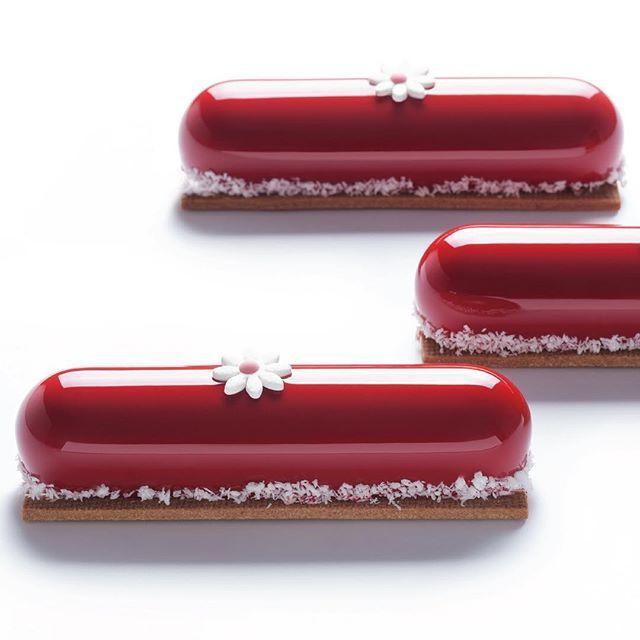 """""""Red"""" Petit Gateau"""