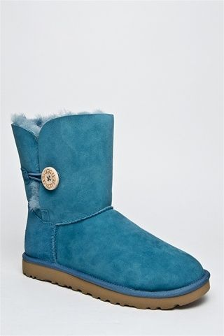 Buy Cheap Boots Online Such as snow Boots, Fall and Winter Boots. Discounts Everyday, Variety of Styles.