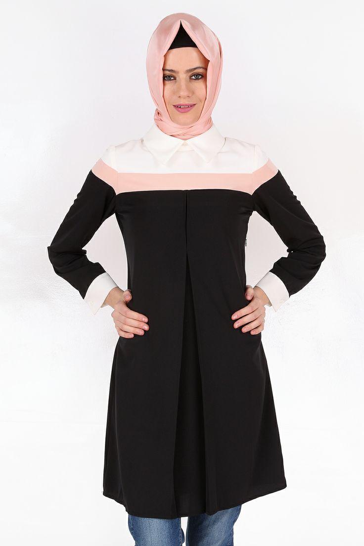 İki Renkli Siyah Tunik 95 cm boyunda, astarsız, krep kumaştan tasarlanmıştır.