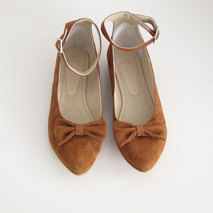 Chica de canela & golden ponies Brown Suede leather ankle strap bow flat