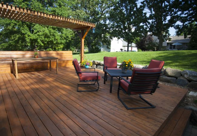 A floating deck in the backyard