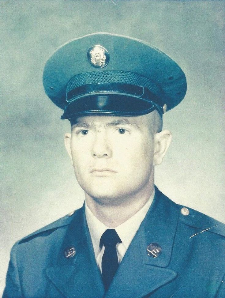 Virtual Vietnam Veterans Wall of Faces MICHAEL C LAWSON