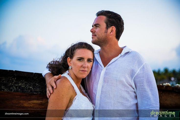 Bride and groom at a Isla de la Pasión wedding. http://dreamtimeimages.com/blog/passion-island-wedding-photography-isla-del-passion-mexico-kelly-jason/