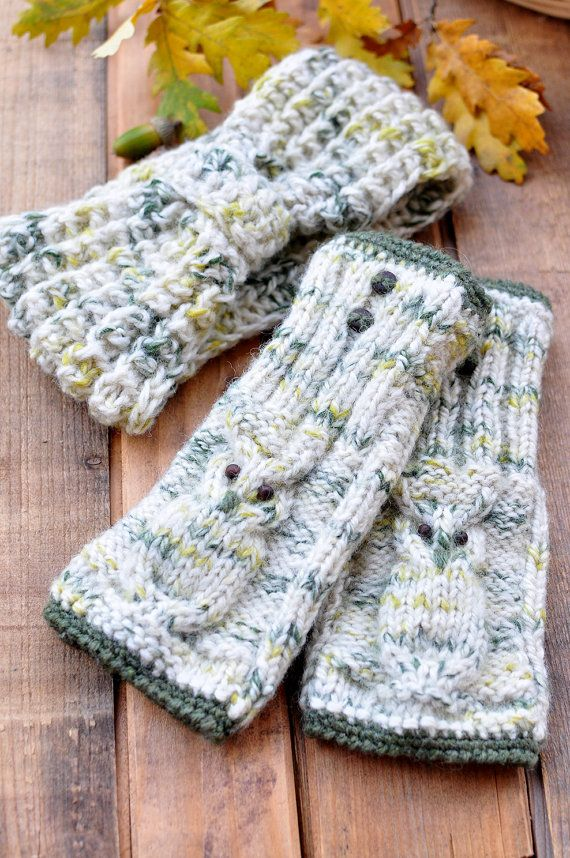 Fancy 100% merino wool headband will not only keep your head warm but also is a great accessory! Together with matching mittens they make a lovely set!