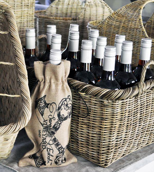 Christmas Gift Idea: a Vintage Rattan Basket of Sarabah Estate Vineyard Exquisite Rosé 2008 #bestseller #homeware