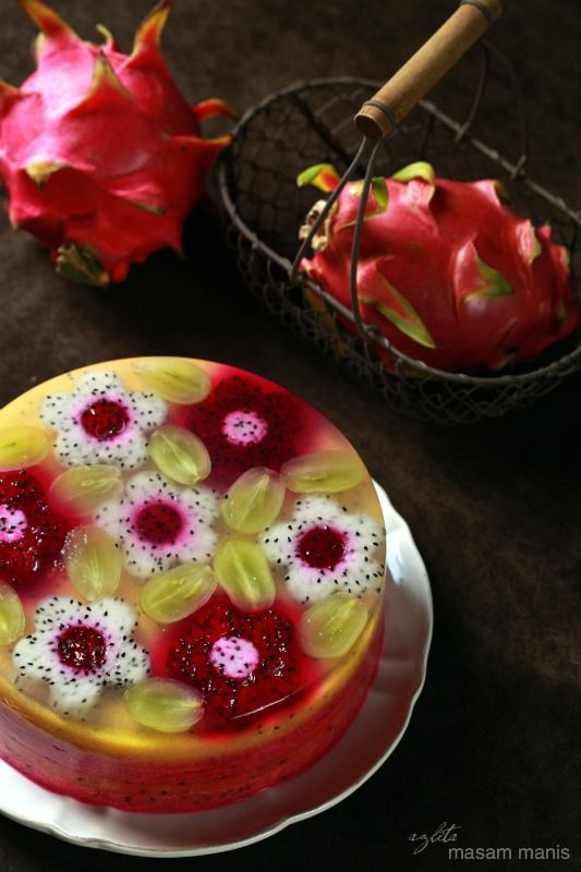 Dragon fruit pudding