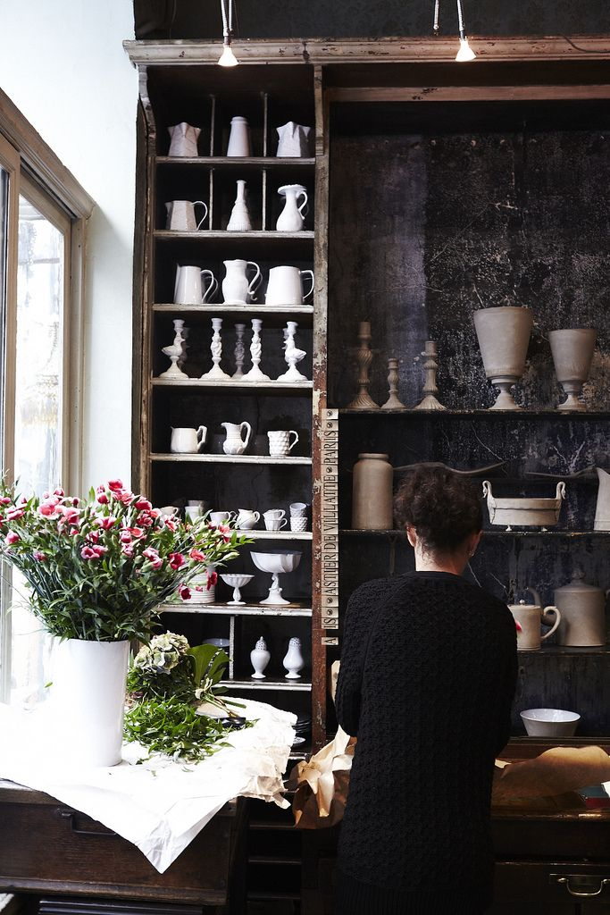 fleurs et vaisselles ...
