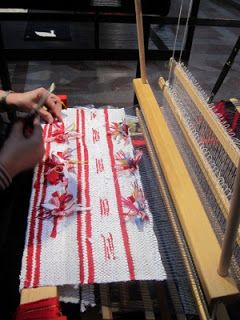 Weaving with the traditional Swedish rug rag technique, 'slarvtjäll'.