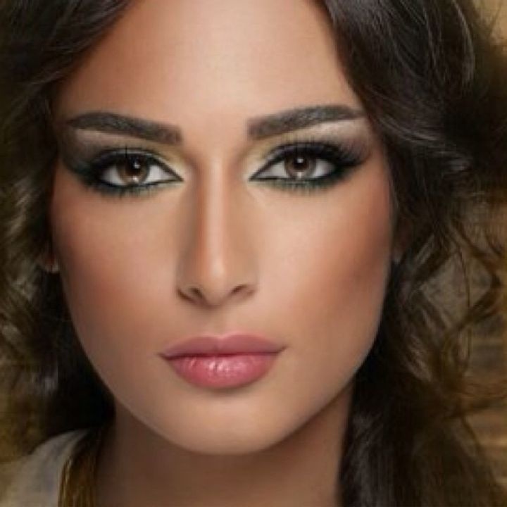 sara hasan lebanese makeup artist hot stuff pinterest lebanese makeup makeup. Black Bedroom Furniture Sets. Home Design Ideas