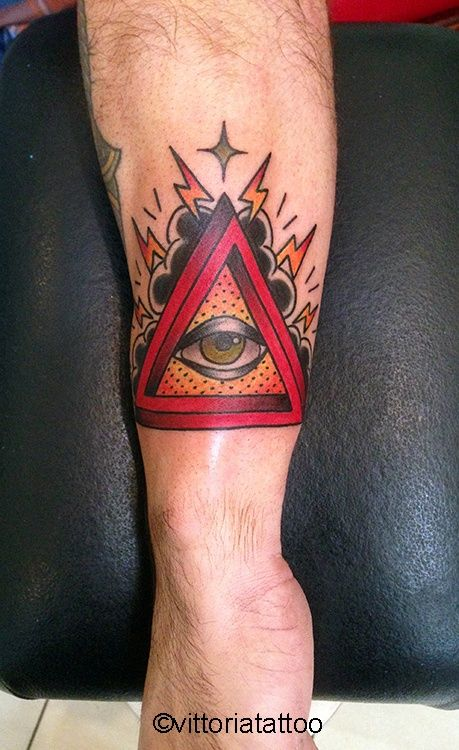 Eye of providence tattoo Tattoo Studio di tatuaggi como vittoriatattoo via alessandro volta 49 Como Italy #tatuaggi como #tattoo como #tatuaggi #tattoodo #vittoriatattoo #eye #providence