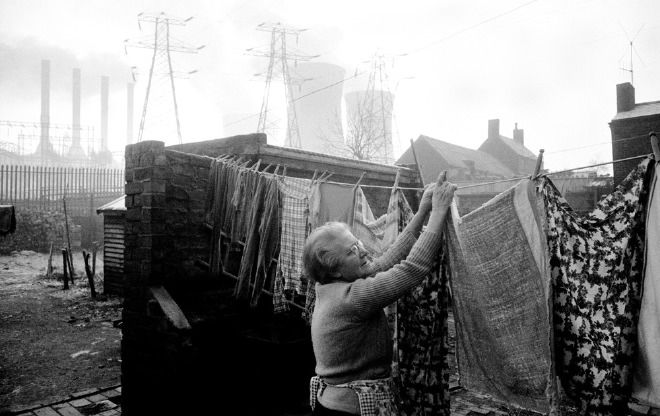photograph by John Bulmer, part of his Black Country collection. Via johnbulmer.co.uk