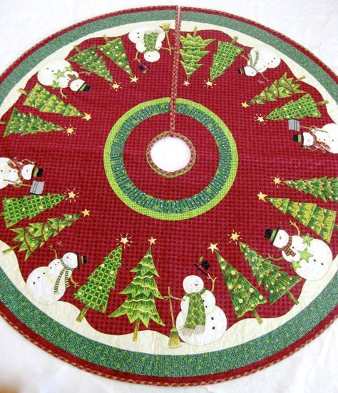 Snowman Patchwork quilted tree skirt 39 wide.
