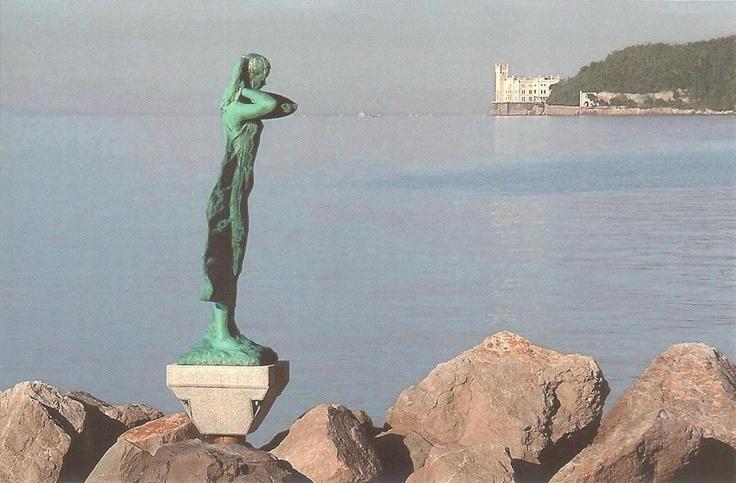"""PK0835. Trieste - Riviera di Barcola: """"La mula de Trieste""""."""