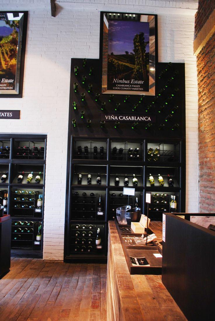 Tienda Viña Santa Carolina, arquirecto Miguel Dulanto, diseñador Cristian Pizarro